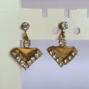 Gorgeous and Unique Vintage Gold tone earrings